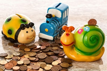 Money Saving Health Tips - Piggy Bank