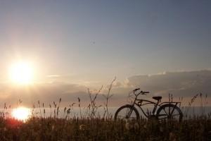 sunset-bike-1367209-640x480